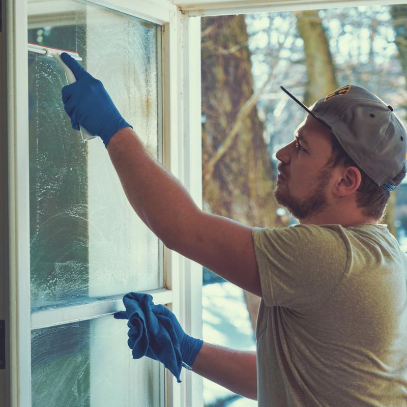 washing windows handyman services