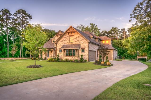 landscaping vs lawn care, Nichols Reliable, lawn maintenance, northwest arkansas