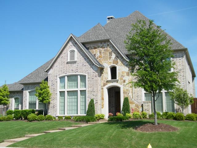 Lawn care service, nichols reliable, northwest arkansas, fayetteville lawns, grass, landscaping, lawn maintenance