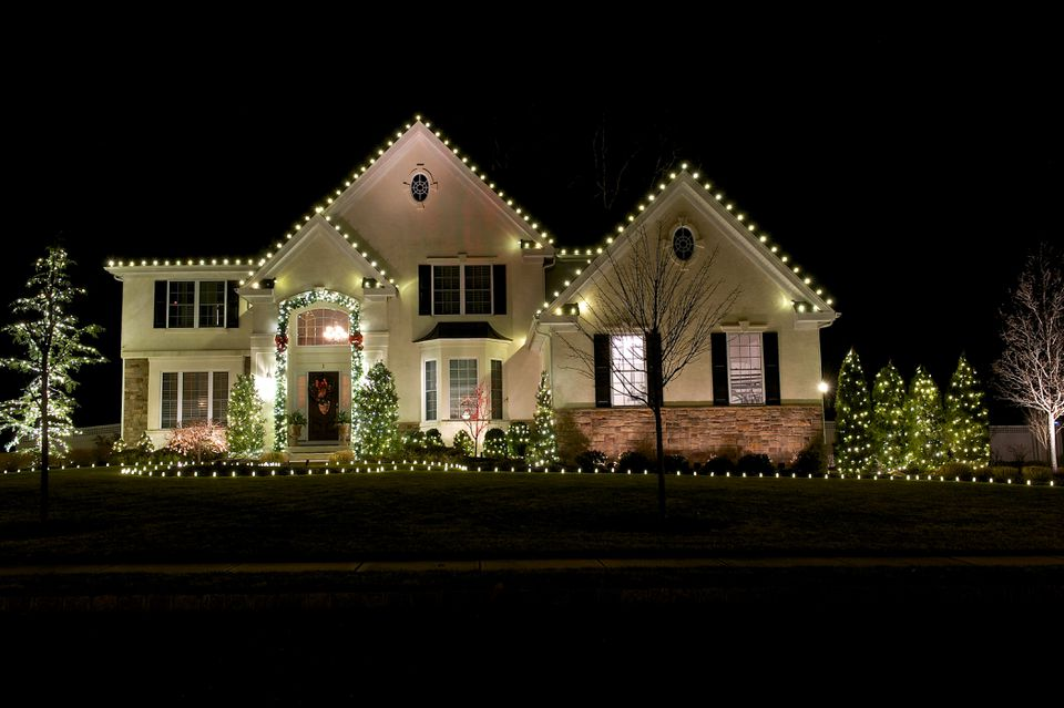 Christmas, outdoor lights, installation, hanging christmas lights, services, nichols reliable lawn care & more